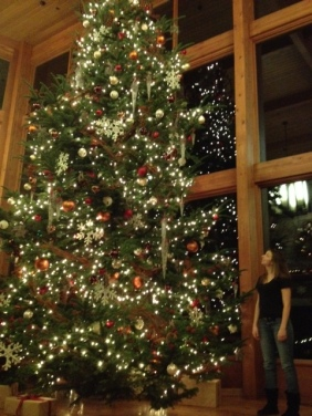 Lea and the tree at Skamania Lodge.